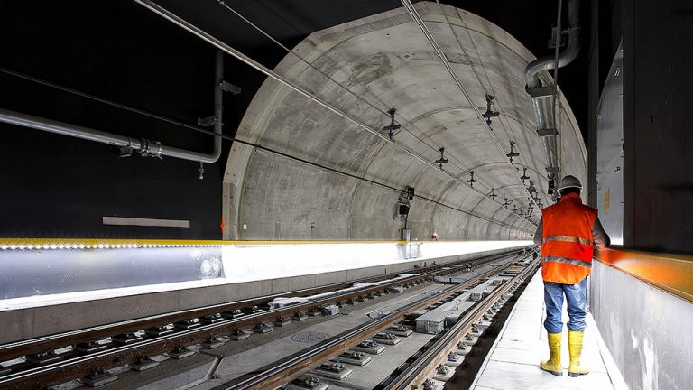 Latest rail plan would put tunnel under Long Island Sound