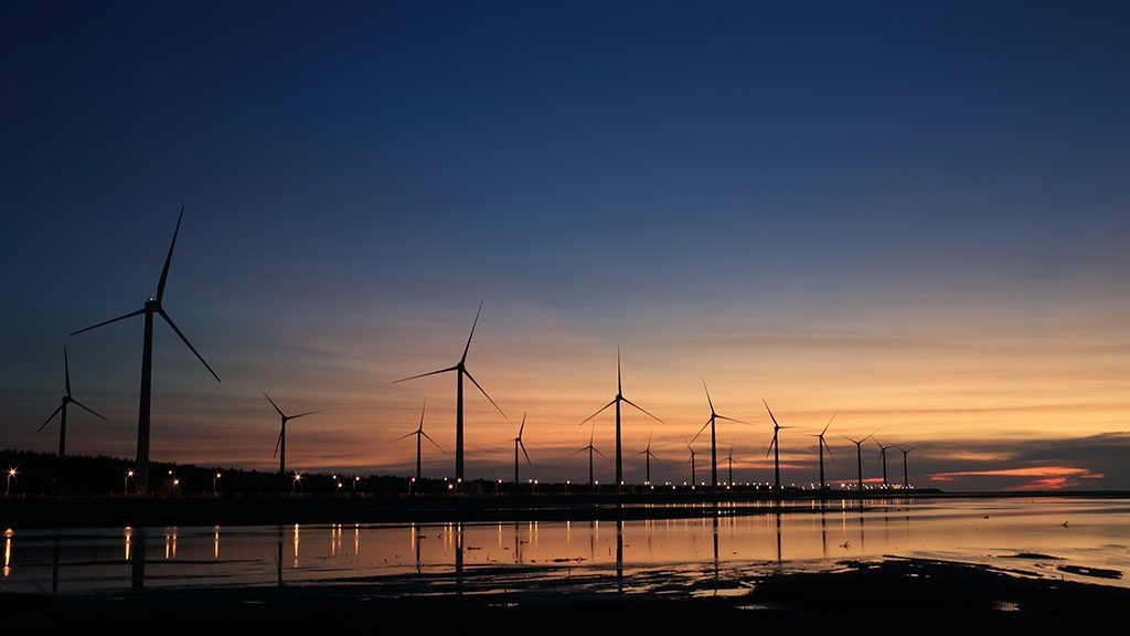 Report predicts major spike in renewable energy projects by 2030