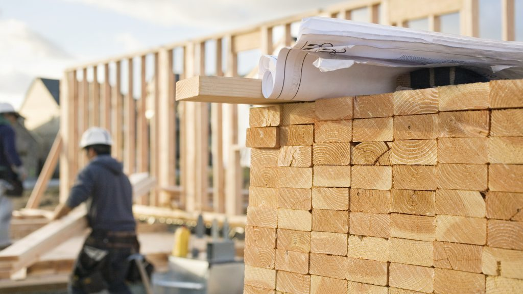 DIYers benefit from lumber price correction