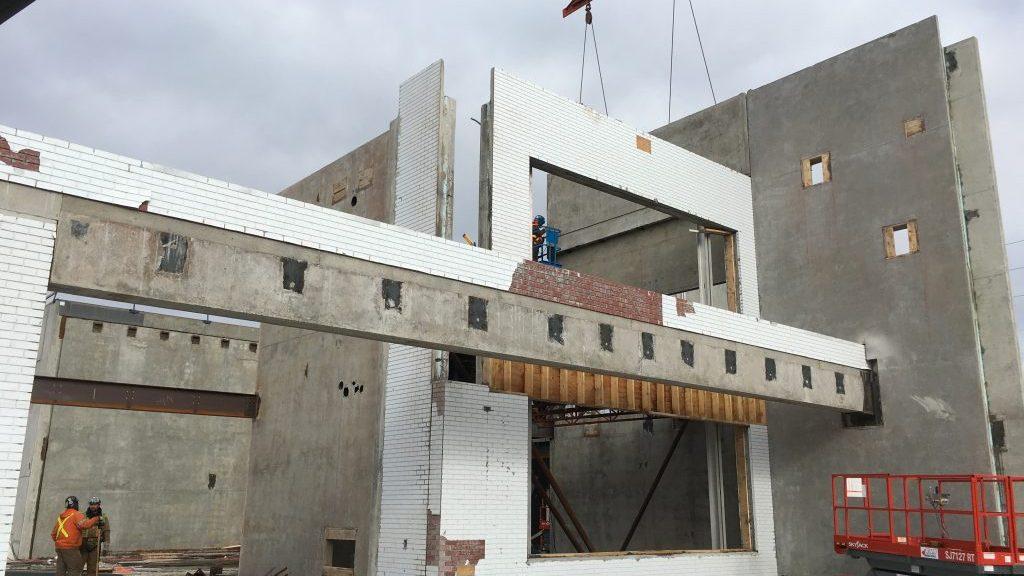 School built using tilt-up panels completed on time despite space constraints