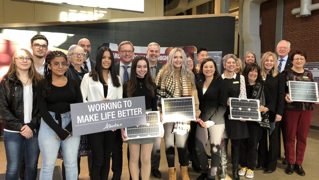 Alberta invests $15 million in solar program for schools