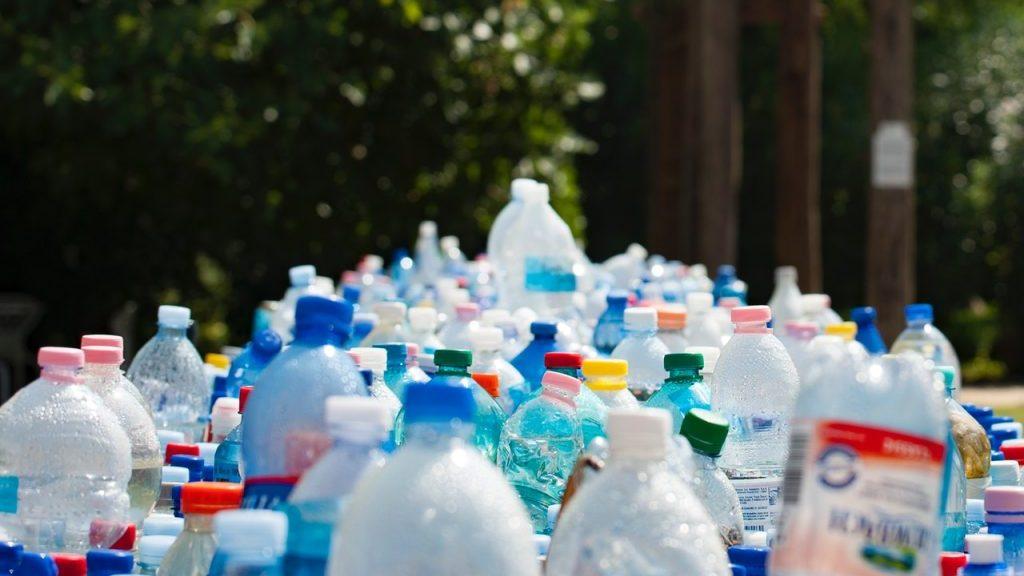 Plastic pop bottles, the next building material?