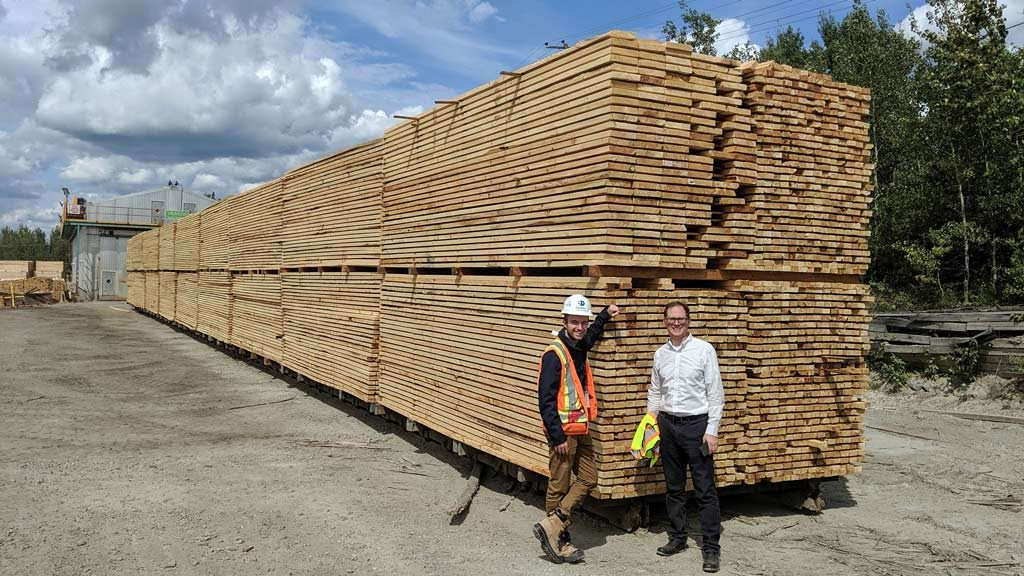Stakeholders tour northern Ontario sawmill to better understand lumber supply chain