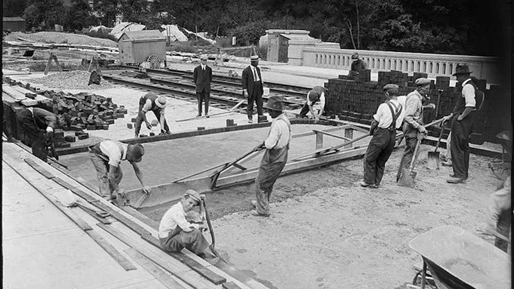 """""""Unsung heroes"""": Toronto construction workers and The Spanish Flu epidemic"""