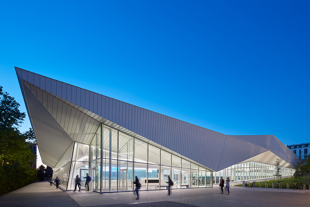 03UBC Aquatic Centre for web