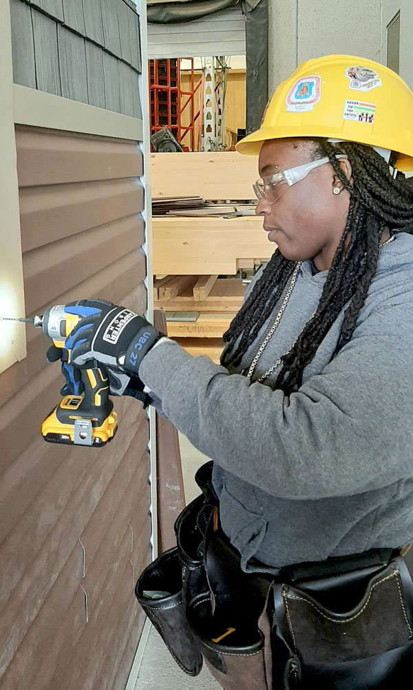 The Carpenters Union, the College of Carpenters and Allied Trades and Building Up recently partnered to offer a new siding installation training program for youth. A second session is being held to train individuals with TradeLinx.