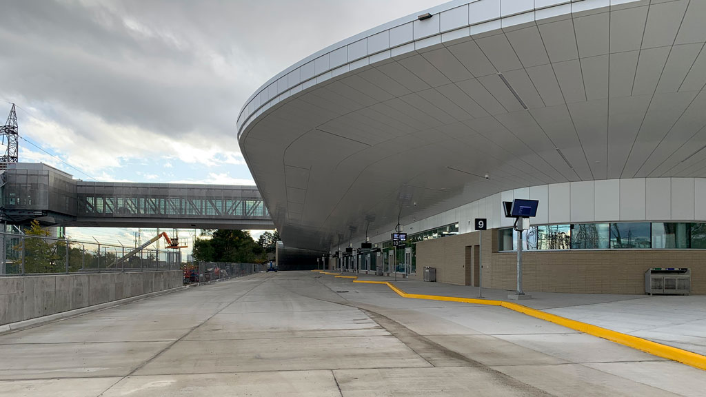 New bus terminal opens at Kipling GO Station