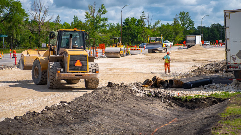 Manitoba construction industry urges province to enforce work zone laws
