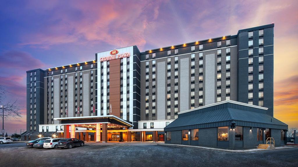 Manga completes revamp of Toronto airport hotel
