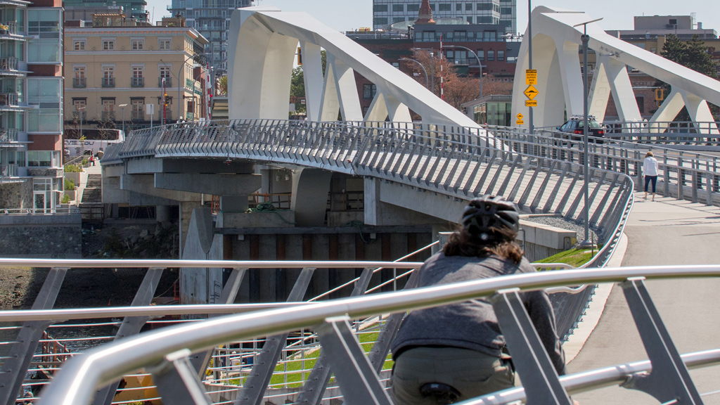 Pandemic abruptly halts audit of Victoria's Johnson Street bridge project