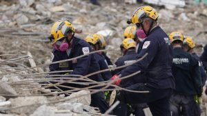 Crews give up hope of finding survivors at Florida condo collapse site