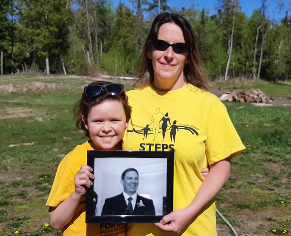 Michelle Fitch and her daughter participated in the Threads of Life Steps for Life walk in honour of their brother and uncle.