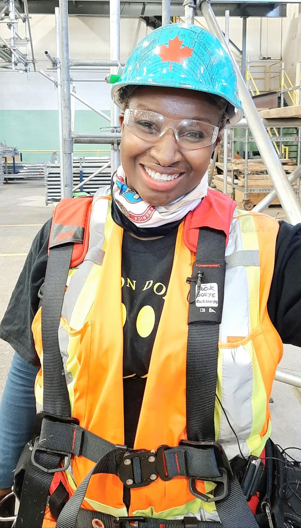 Rokhaya Gueye, a carpenter at Local 27, used to work in the telecommunications industry. In 2019 she lost her job and decided to change careers and be a carpenter, something she has wanted to do for the past 22 years.